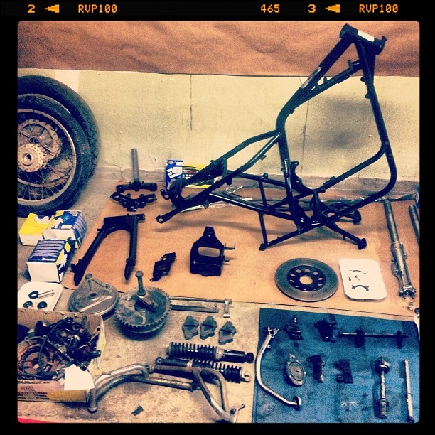 Oil 13 Cafe & Racer Kz400 Parts 3
