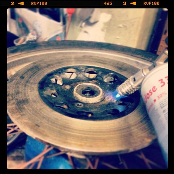 Oil13 Cafe & Racer Kz400 Disc Brake Disassembly 3