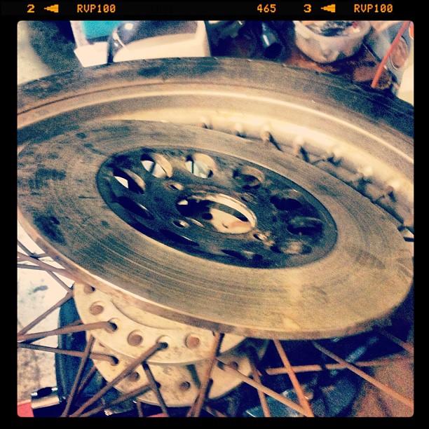 Oil13 Cafe & Racer Kz400 Disc Brake Disassembly 4