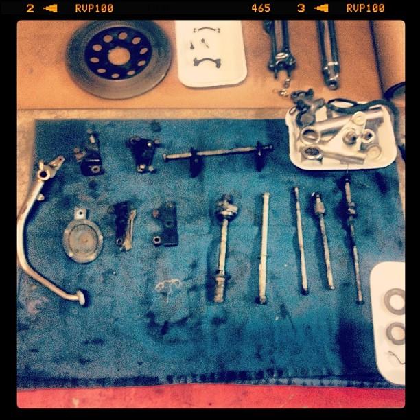 Oil13 Cafe & Racer Kz400 Parts 1