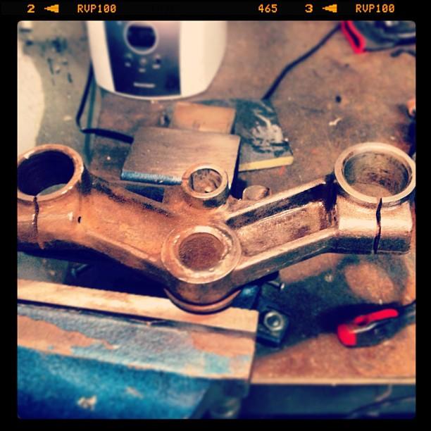 Oil13 Cafe & Racer kz400 Steering Stem