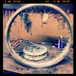 Oil13 Cafe & Racer Kawasaki KZ400 Rear Rim Disassembly 3