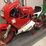 Oil13 - Deus ex Machina Milán - Ducati 750 F1