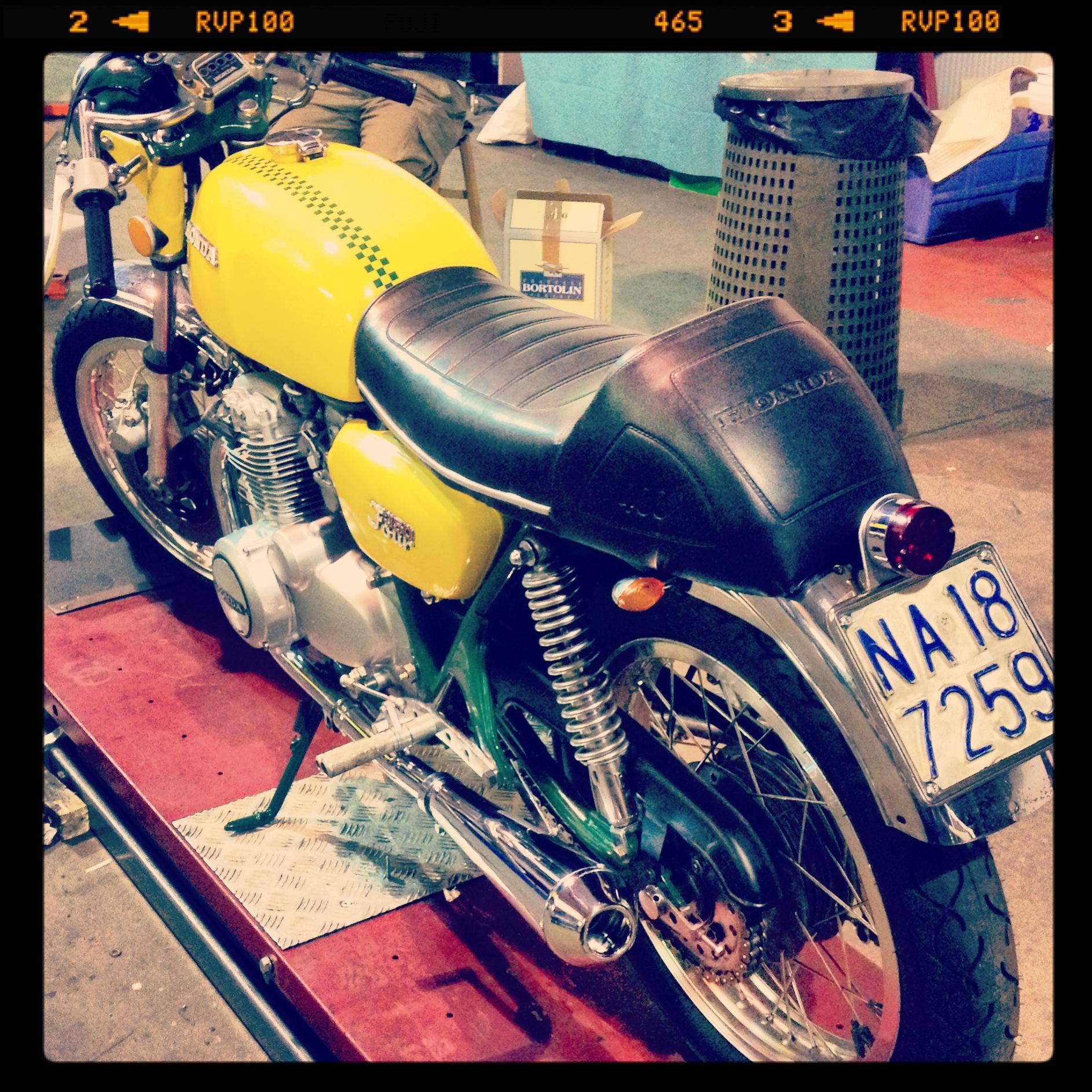Oil13 & Honda4fun Honda CB350 Four GM13 Back Left Side