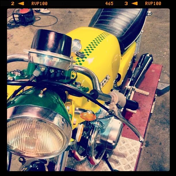 Oil13 & Honda4fun Honda CB350 Four GM13 Front Left Side