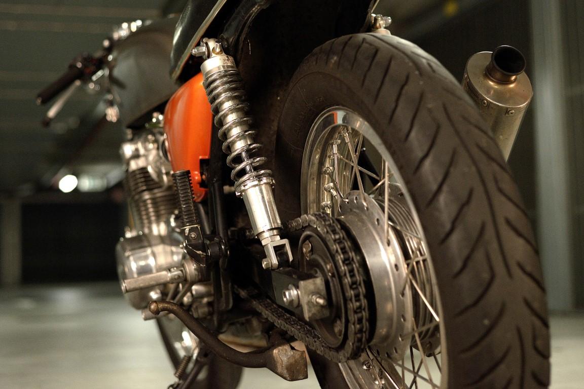 Oil13 - Honda CB500 Four K3  1979 DD Left Down Side
