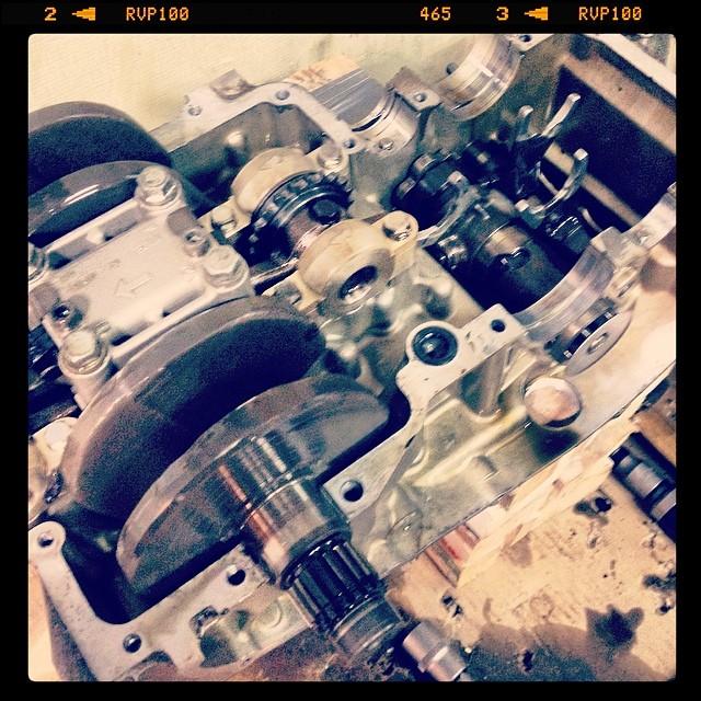 Oil13 – Kawasaki kz400 Abriendo el Motor 11