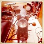 Oil13 Restaurando el Poderoso Jawa350 Con Sidecar en Nápoles_17