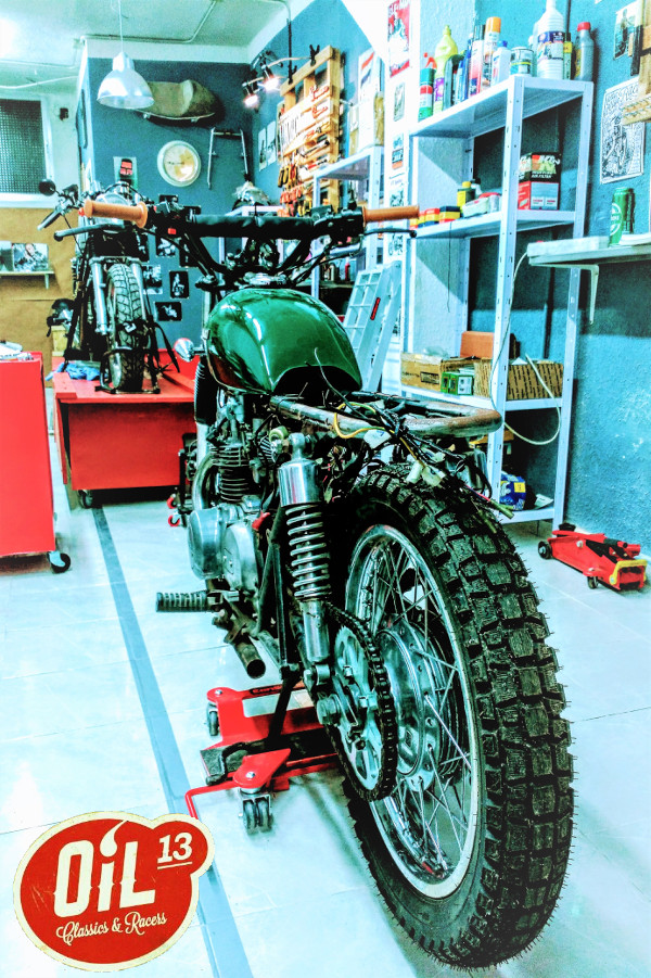 Oil13 - Kawasaki Kz400 Scrambler Left side
