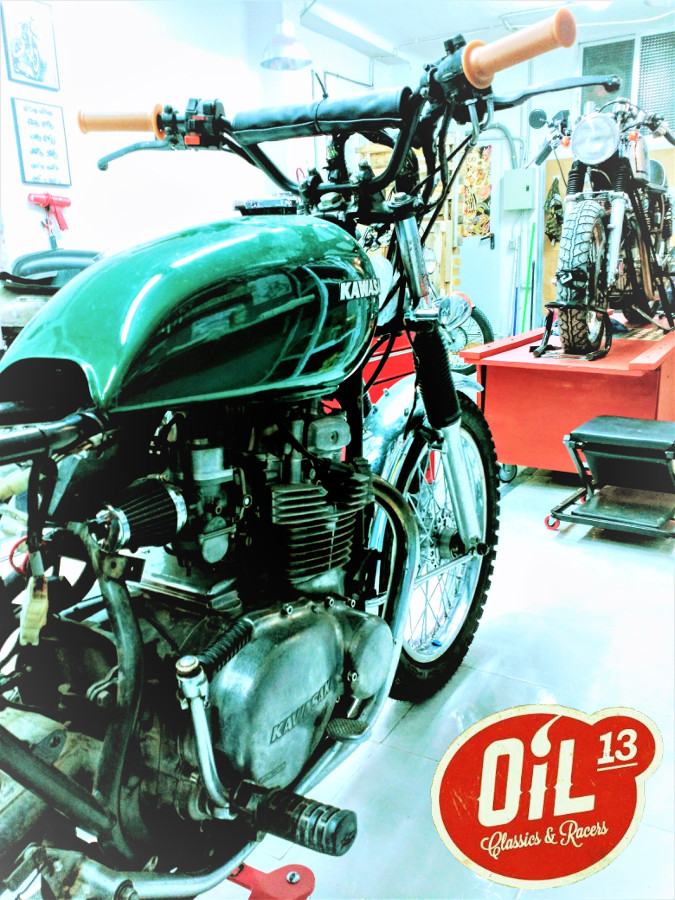 Oil13 - Kawasaki Kz400 Scrambler Right Side