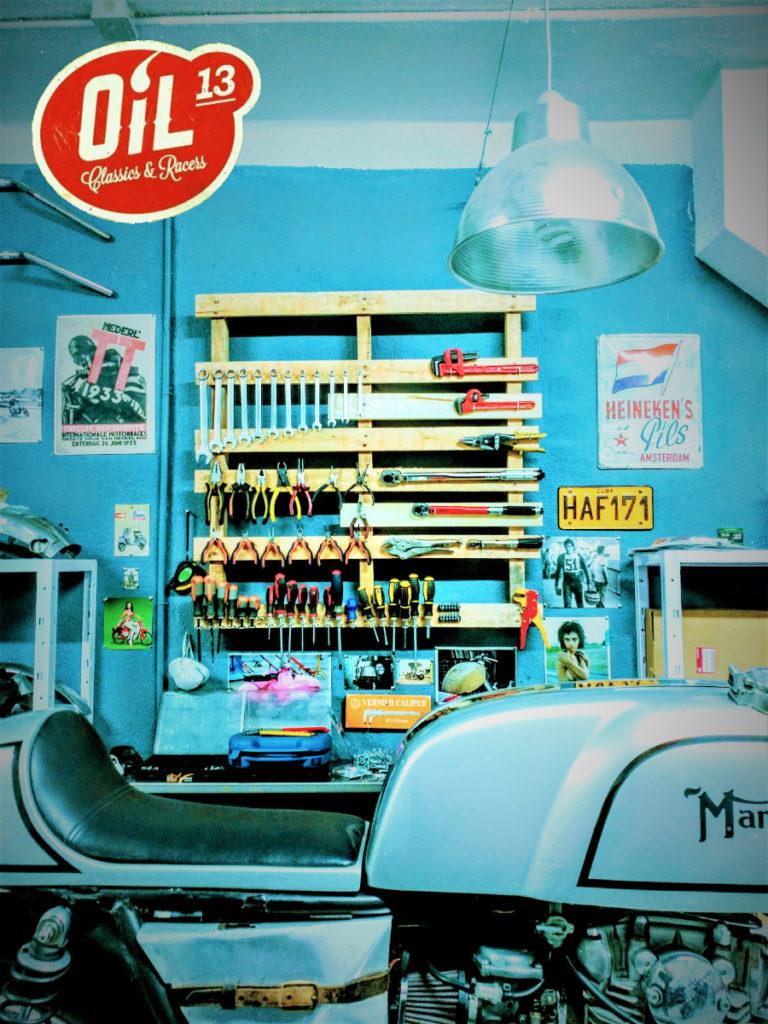 Oil13 - YAMAHA XS650 1977 Café Racer Detail